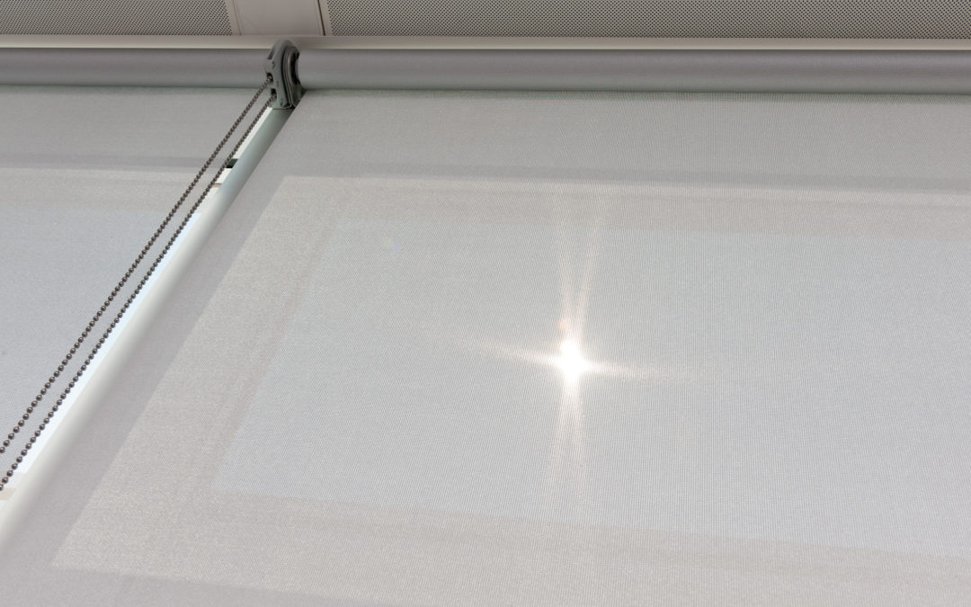 Nieuwe Luxaflex® M-Screen Ultimetal® beschermt tegen zon en warmte op kantoor